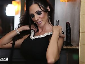 Ariella Ferrara catapults a massive dark-hued fuck stick in her cooter