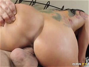Romi Rain is randy and just wants to pound
