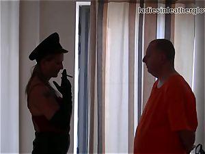 Smoking leather dressed femdom in gloves fetish predominance
