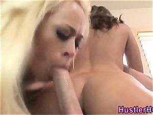 Victoria Lawson exchanges spunk