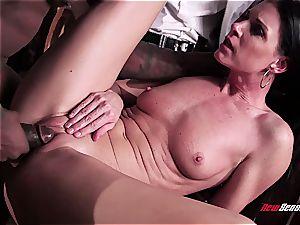 hot wifey India Summer ejaculating on a black jizz-shotgun