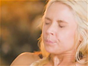 cougar Sarah Vandella seduces super-fucking-hot honey Jojo kiss