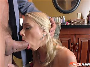 Katie Morgan has that pretty pinkish poon porked in the toilets