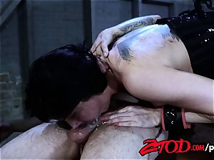 Romi Rain likes To Be spanked