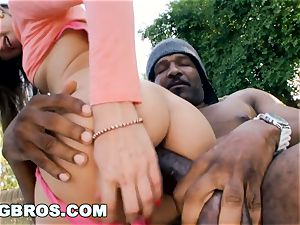 BANGBROS - Riley Reid loves fat black manmeat (mc11986)