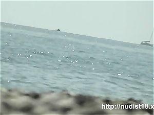 super-steamy nude dame spied beach spycam