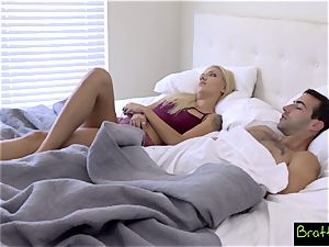 Bratty sister- Step bro And step-sister Share A sofa! S8:E1