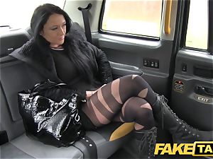 fake taxi Local prostitute plumbs cab guy