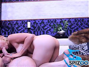 Sarah Vandella inhaling and boning a yam-sized pipe