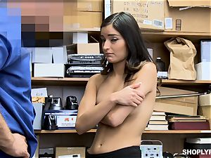 Emily Willis luvs a deep poon hammering from dangled mall cop