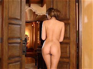 Anastasia dark-hued makes her pretty cooter jism