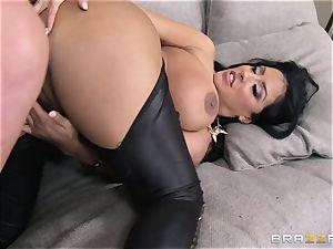 Phoenix Marie introduces Kiara Mia to assfuck