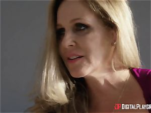 romp with busty housewife Julia Ann and her stepdaughter