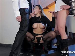 Russian damsel Anna Polina gets double penetration at the entrance to the club