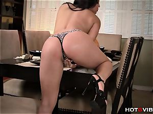 Real bodacious Asian's moaning orgasm