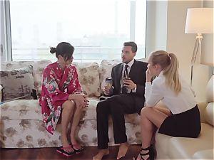 LosConsoladores - towheaded wifey in FFM cuckold three way