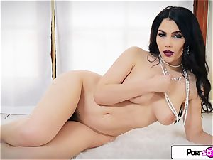 Valentina Nappi unwrap down and play with her gash