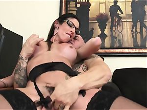 Office hotty Dava Foxx Blows Her chief to Keep Her Job