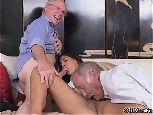 older fellow shoots a load in youthfull dame very first time Going South Of The Border