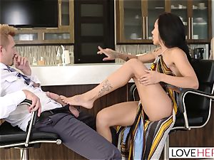 LoveHerFeet - Sneaky hotwife foot orgy With The Realtor