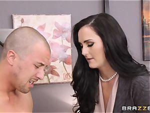 Riley Jenner and Bianca Breeze buttfuck three way