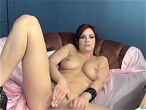 sensuous Jayden Cole loves teasing her succulent humid clitoris