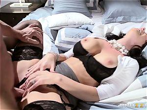 fabulous wifey Jayden Jaymes pummeled by her super-hot husband