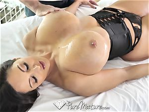 PureMature lubricated up rubdown plumb with mummy Ava Addams