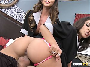 super-steamy maids Ariella Ferrera and Jynx maze share a customer