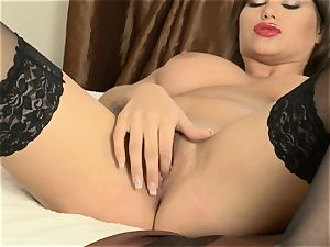 Cinthia nymph wanks in magnificent black tights