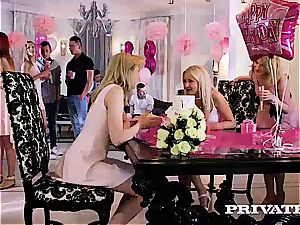 Anny Aurora and Alexis Crystal celebrate With an hook-up